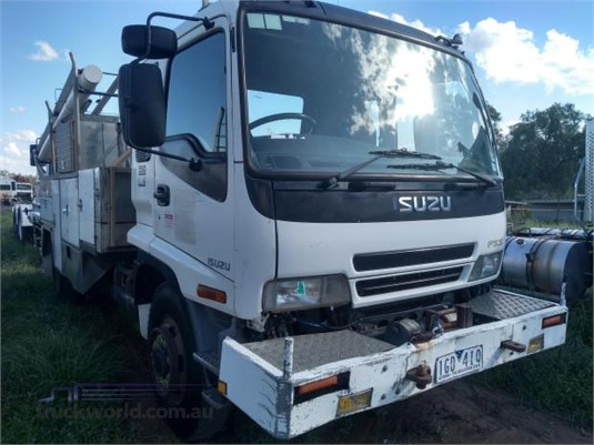 2002 Isuzu FSS 550 4x4 - Trucks for Sale