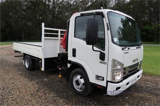 2014 Isuzu NPR 300 Medium - Trucks for Sale