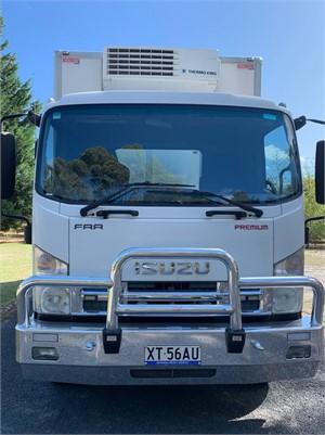 2009 Isuzu FRR 107 210 Long - Trucks for Sale