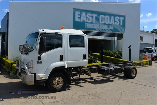 2009 Isuzu FRR 600 - Trucks for Sale