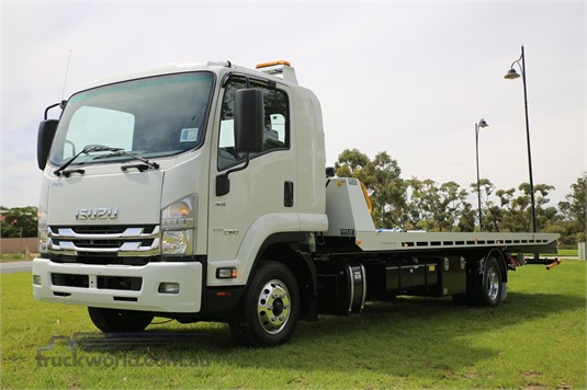 2019 Isuzu other - Trucks for Sale