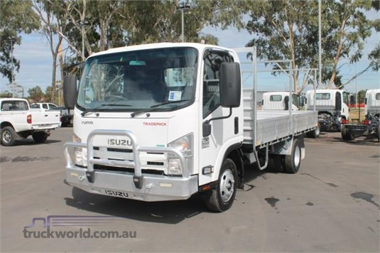 2013 Isuzu other - Trucks for Sale