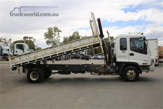 2007 Isuzu other - Trucks for Sale