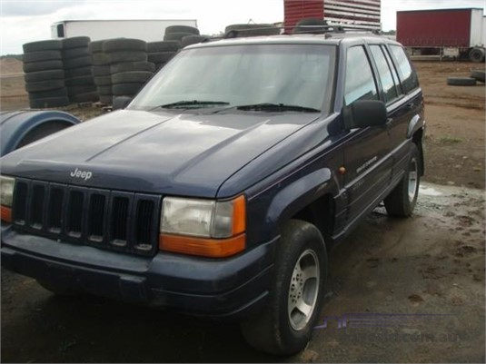 1996 Chrysler Jeep Cherokee Laredo - Light Commercial for Sale