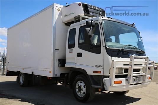 2006 Isuzu FRR 550 Long - Trucks for Sale