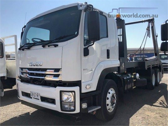 2018 Isuzu other - Trucks for Sale