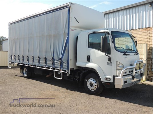 2013 Isuzu FRR 600 Long - Trucks for Sale