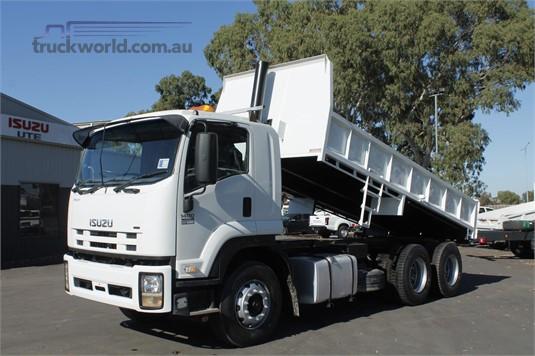 2008 Isuzu other - Trucks for Sale