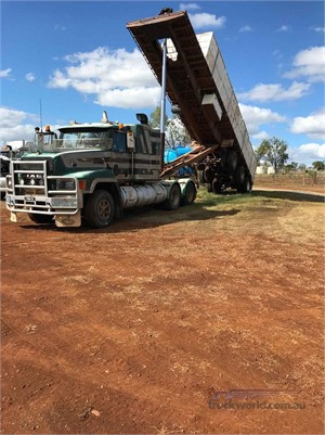 1980 Haulmark Flat Top Tipper - Trailers for Sale
