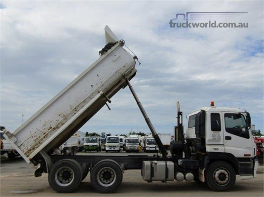 2002 Isuzu Giga CXY 385 - Trucks for Sale