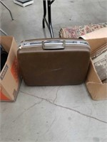 Samsonite suitcase with key