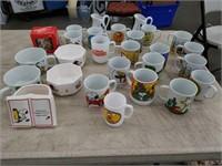 Box of peanuts coffee mugs