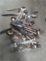 Box with sil.plat flatware