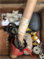 Box of misc Asian knickknacks