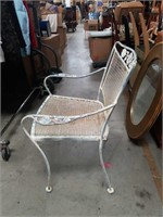 Metal patio arm chair