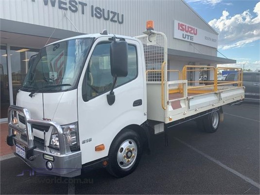 2017 Hino 300 616 South West Isuzu - Trucks for Sale