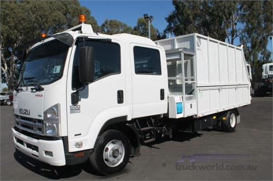 2011 Isuzu other - Trucks for Sale