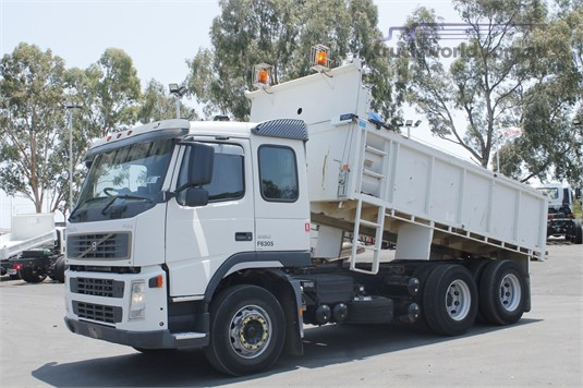 2004 Volvo other - Trucks for Sale