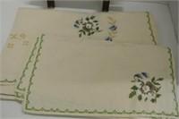 Beautiful Vintage Kitchen Linens