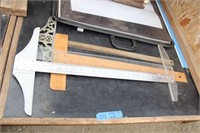 Bargain Lot: Drafting Tees, Boards, Easel, Totes