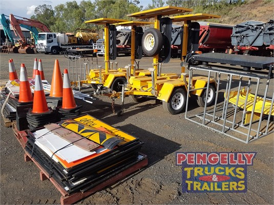 Bartco Traffic signal Pengelly Truck & Trailer Sales & Service - Parts & Accessories for Sale