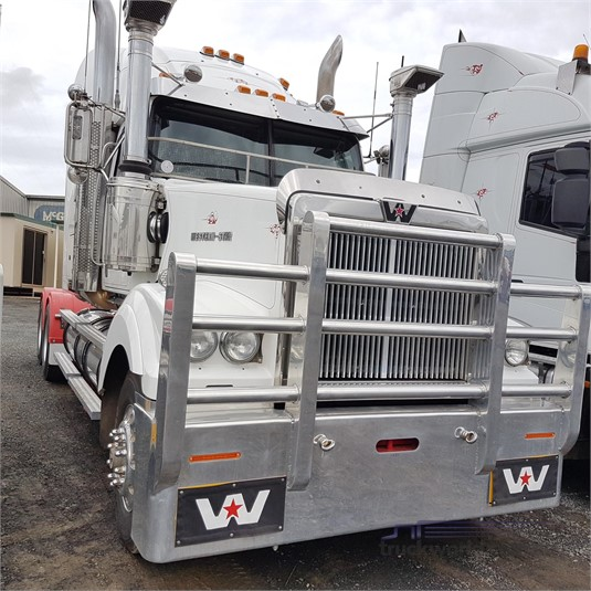 2009 Western Star 4964FXC - Trucks for Sale
