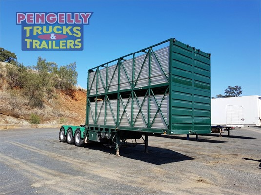 2005 Sfm Engineering Stock Crate Trailer Pengelly Truck & Trailer Sales & Service - Trailers for Sale