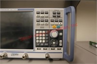 Vector Network Analyzer with 4 Ports 8 GHz