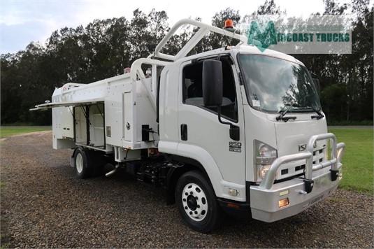 2010 Isuzu FSR 850 Long Midcoast Trucks - Trucks for Sale