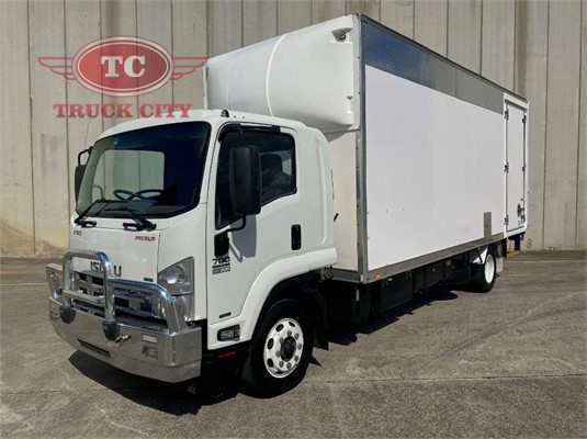 2014 Isuzu FSD 700 LONG Truck City - Trucks for Sale