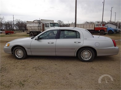 Lincoln Cars Auction Results 18 Listings Auctiontime Com Page 1 Of 1