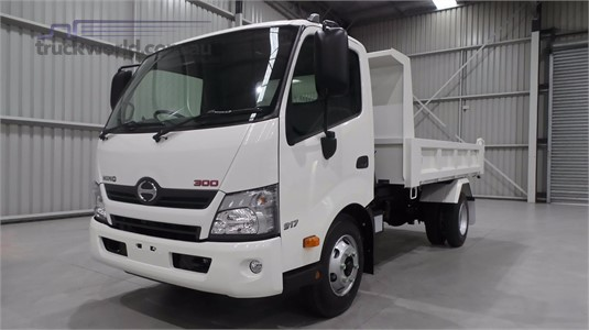2020 Hino 300 Series 917 - Trucks for Sale