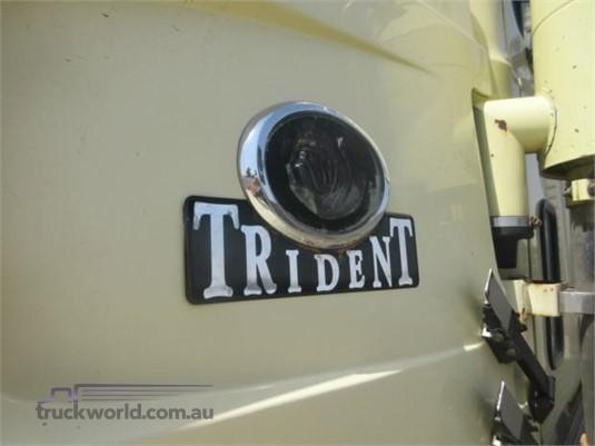 2006 Mack Trident - Trucks for Sale