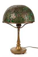 Selection of electric table lamps including Tiffany Studios Grapevine