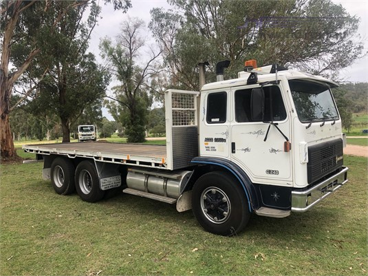 1992 International Acco 2350E - Trucks for Sale
