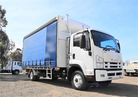 2009 Isuzu FRR500 - Trucks for Sale