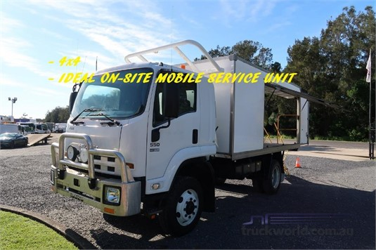 2013 Isuzu FSS 550 4x4 - Trucks for Sale
