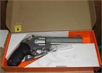 Taurus Raging Bull 44 mag Revolver