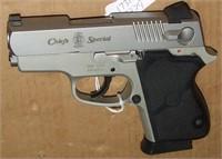 Smith & Wesson Chiefs Special 40 S&W Pistol