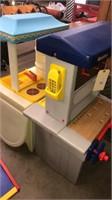 Little Tikes Workshop & Kitchen