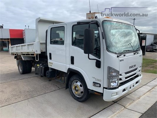 2017 Isuzu NPR 45 190 CREW - Trucks for Sale