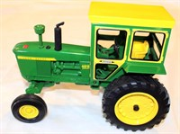 1/16th JD 4010 Tory Tractor, diesel, no box (view 1)