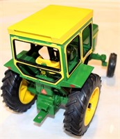 JD 4010 Tory Tractor, diesel, no box (view 2)