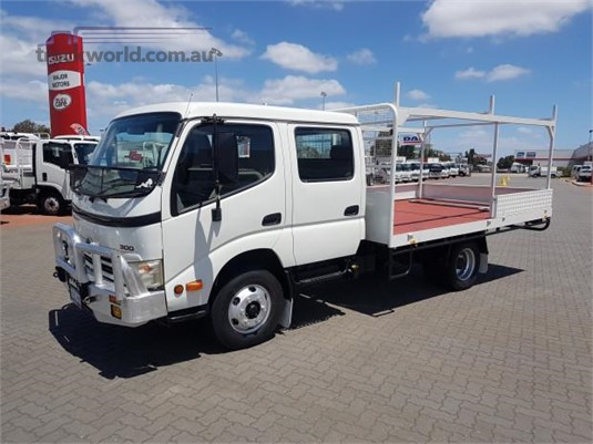 2008 Hino 300 Series 616 Crew Auto - Trucks for Sale