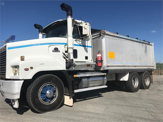 1999 Mack Trident - Trucks for Sale