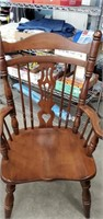 Table W/ 2 Leaves & 4 Chairs, 2 Captain Chairs