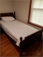 Twin Bed & 2 Dresser 1 W/ Mirror