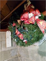 6 Christmas Wreaths