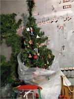 Christmas Tree, Wreath, Garland & Christmas Misc