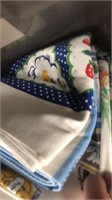 3 Lots Of Vintage Linens - Gloves